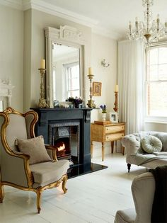 "Vintage French Soul ~ ""french-english-victorian-style""-maisonette-london-home-interior-decorating Home Interior, Interior Decorating, Interior Design, Classic Interior, Interior Ideas, Modern Interior, Home Living Room, Living Spaces, Living Area"