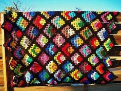 Free Crochet Granny Square Blanket Pattern - Petals to Picots