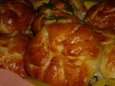 Reteta Placinte sarate cu urda - Aperitive / Garnituri Favorite Recipes, Bread, Chicken, Food, Party, Brot, Essen, Parties, Baking