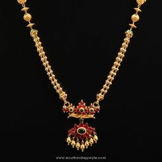 Gold ruby short necklace from d.r jewellers women's fashion бисер, у Indian Gold Jewellery Design, Antique Jewellery Designs, Gold Earrings Designs, Necklace Designs, Antique Jewelry, Jewelry Design, Ring Designs, Antique Silver, Short Necklace