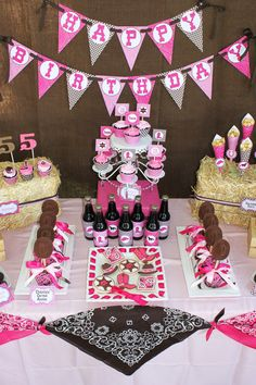 Cowgirl themed party from @Marl Bullockénè Express