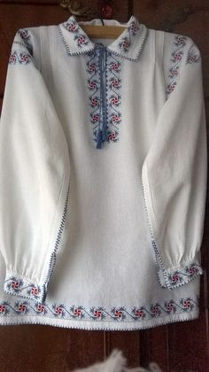 Folk Costume, Costumes, Pink Turquoise, Crochet Crafts, Shirt Blouses, Types Of Shirts, Long Sleeve Shirts, Vintage Fashion, Gull
