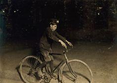 The hardcore teen bike messengers of the early 1900s