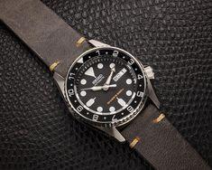 "Seiko SKX013 ""12 Hour Style"" Lumed Sapphire Bezel Insert- Black – L.C.B.I Stylish Watches, Luxury Watches, Cool Watches, Watches For Men, Wrist Watches, Seiko Skx, Hublot Watches, Seiko Diver, G Shock Watches"