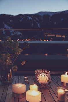 Lassen Sie Ihren Abend auf der wunderbaren SEE LA VIE vom 4 Sterne Seehotel Bellevue ausklingen. Gleich Urlaub für den Sommer oder Winter buchen & tolle Ferien in Zell am See/Kaprun verbringen. Zell Am See, Restaurant, Night Light, Tea Lights, Candles, Table Decorations, Home Decor, Environment, Terrace