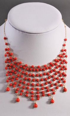 Collier mit roten Korallenkugeln… Beaded Necklace, Jewelry, Fashion, Necklaces, Red, Beaded Collar, Moda, Pearl Necklace, Jewels