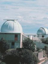 Fred Lawrence Whipple Observatory - Exhibits include models of the original 4.5-meter and converted 6.5-meter Multiple Mirror Telescope, a three-dimensional model of galaxy distribution in the universe, and a touchable topographical map of the Santa Rita Mountains. Other displays trace the history of optical telescope development from Galileo to the new instruments planned for the 21st Century, ...