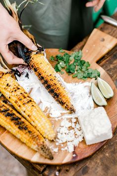 A Garden Inspired Cinco de Mayo Party Life on the Farm with Tiffani Thiessen A Garden Inspired Cinco de Mayo Party Camille Styles Dinner Party Recipes, Party Food And Drinks, Appetizer Recipes, Party Appetizers, Taco Bar, Easy Meat Recipes, Mexican Food Recipes, Healthy Recipes, Eat Healthy