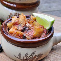 Slow Cooker Eggplant, Potato and Mushroom Curry 173cal/cup  http://skinnyms.com/slow-cooker-eggplant-potato-and-mushroom-curry/