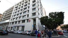 Banca Popolare di Bari, azioni giù del 20% ma i manager si aumentano lo stipendio