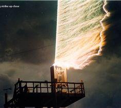 funny-lightning-strike-up-close