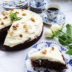 Squashkage Danish Dessert, Frisk, Cake Toppings, Food Cakes, Chai, Mousse, Cake Recipes, Smoothie, Cheesecake