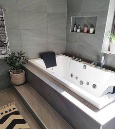 Jet Tub │Gray Tiles │Pierce Flooring & Cabinet Design Cneter #jettub