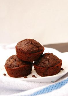 Chocolate muffins, sprinkled with additional chocolate chips that are so incredibly moist thanks to a healthy, secret ingredient: applesauce. Not to mention these are wheat, dairy, egg, soy, peanut and tree nut free, making them gluten-free, vegan and top-8-free!