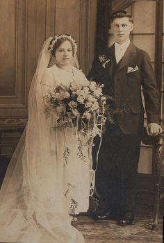 Vintage Wedding Photography, Vintage Wedding Photos, Wedding Dresses Photos, Vintage Weddings, Wedding Couples, Wedding Bride, Wedding Events, Wedding Day, Wedding Bouquet