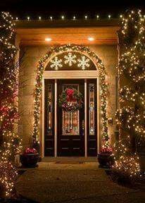 stunning christmas lights decorations for the front door and entryway