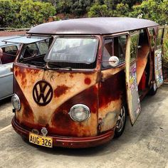 VW Camper with some pseudo-patina Volkswagen Bus, Volkswagen Transporter, Vw Camper, Vw T1, Carros Vw, Combi Ww, Combi Split, Kdf Wagen, Rat Look