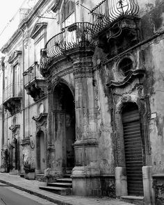 Italy in Black and White   1 by JJKDC, via Flickr