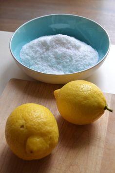 Scrub per il corpo fai da te al limone