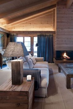 What type of interior for your habitable wooden chalet? Chalet Interior, Interior Exterior, Interior Design, Style At Home, Cozy Fireplace, Cabin Homes, Trendy Home, Cozy Bedroom, Home Office Decor