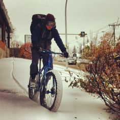 Winter bike riding isn't for the faint of heart. Here are some essential winter bike riding tips. www.wintercyclingbook.com