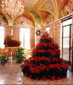 Loyola at Cuneo Mansion and Gardens decorated for Christmas
