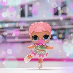 Come get a surprise for the weekend! Dollhouse Accessories, Doll Accessories, Crafts For Girls, Toys For Girls, Doll Toys, Baby Dolls, Doll Party, Lol Dolls, Cute Toys