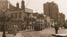 1935 - Taksim Meydanı, İstiklal Caddesi girişi