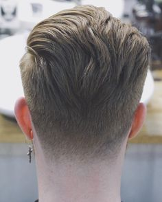 Tapers undercuts hairstyle s - dagative. Tapered Undercut, Tapered Hair, Undercut Men, Undercut Hairstyles Women, Popular Hairstyles, Hairstyles Haircuts, Cool Hairstyles, Pelo Popular, Badass Haircut
