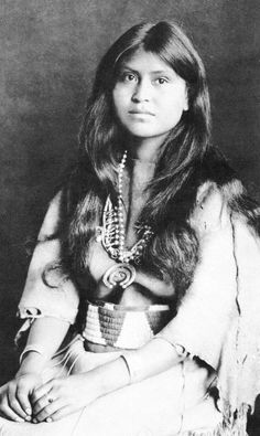 Laguna, pueblo-dwelling stunning young native-American Indian maid -- [Loti-kee-yah-tede] must refer to the pronunciation of tribe or something significant, but it is not explained at website. Native American Beauty, Native American Photos, Native American Tribes, Native American History, American Indians, Native American Photography, Foto Art, Native Indian, Old West