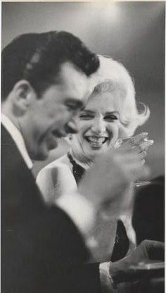 Marilyn à la cérémonie des Golden Globes avec Jose Bolanos le 5 Mars, 1962. Photographié par Gene Daniels