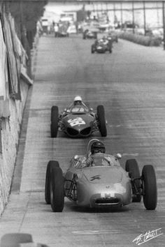 Dan Gurney (Porsche leads Phil Hill (Ferrari at the 1961 Monaco GP. Sports Car Racing, F1 Racing, Sport Cars, Race Cars, Vintage Sports Cars, Vintage Race Car, Ferrari, Porsche 718, Dan Gurney