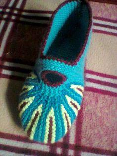 Носки варежки   Записи в рубрике Носки варежки   Дневник anfisa1   Вязание: НОСКИ, ТАПОЧКИ, ГЕТРЫ...   Постила Knitting Designs, Knitting Projects, Knitted Slippers, Sock Shoes, Mittens, Diy And Crafts, Knit Crochet, Beanie, Booty