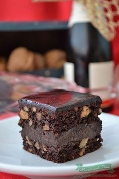 Prajitura Snickers Oreo Dessert, Romanian Desserts, Pastry Cake, Something Sweet, Ice Cream Recipes, Chocolate Recipes, I Foods, Food Inspiration, Cupcake Cakes