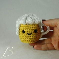 Crochet Food, Crochet Hats, Minion, Summertime, Kawaii, Cheers, Crocheting, Instagram Posts, Gifts