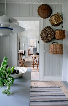 House of Philia House Of Philia, Swedish Cottage, Cottage Style, Shabby Chic Decor Living Room, Decoration Inspiration, Decor Ideas, Mediterranean Decor, Cottage Interiors, Swedish Interiors