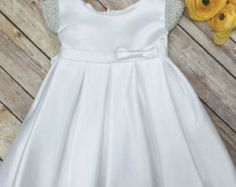 Baby Girl Christening Dress Baby Baptism Dress por BabyGalore0