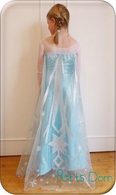 Tuto reine des neiges Costume Carnaval, Frozen Costume, Elsa Dress, Costume Patterns, Costume Ideas, Satin Skirt, Prom Dresses, Formal Dresses, Girl Costumes