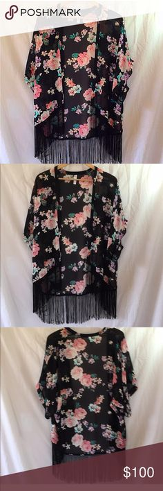 Bohemian cardigan Like new condition. GET 30% off when you buy 3 or more items @degotto. 🆓 pair of earrings with every bundle purchase. 📦💌📦Ship Daily.📦💌📦 Tops Blouses