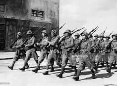 'Italian colonists in Libya' military colonization of the Cyrenaica region: Italian colonists in Africa marching during a military exercise - Photographer: Steinhoff- Published by: 'Berliner Illustrirte Zeitung' Italian Empire, Italian Army, East Africa, North Africa, Erwin Rommel, National History, Ukraine, Armed Forces, World War Two