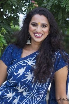 Monotone looks great if the blouse has a slightly different print from the body of the sari like this indigo sari