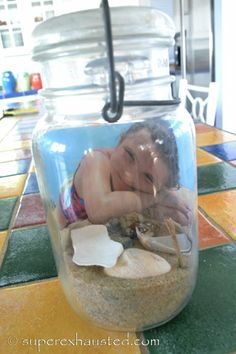 Beach Memory Jars. So cute, this is perfect for my mom.