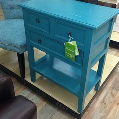 I want this side table. And it's only $129. #homegoods obsessed #homegoods #uws #nyc #furniture #table #turquoise #apartmentliving  (at HomeGoods)