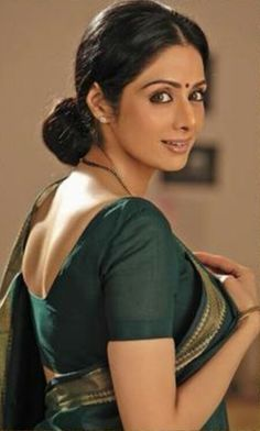 on the sets of In her utter simplicity, how simply divine she looks. Actress Priyanka, Bollywood Actress, Beautiful Girl Image, Beautiful People, Sridevi Hot, Top Bollywood Movies, Simplicity Is Beauty, Hot Images Of Actress, Saree Poses