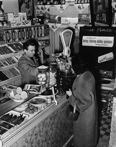 grocerie store in the Netherlands♥ Vintage Pictures, Old Pictures, Amsterdam, Man 2, Good Old Times, Black And White Pictures, Women In History, The Good Old Days, Vintage Photographs