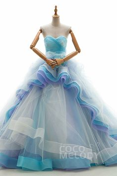 The best prom dress ever blue love Best Prom Dresses, Blue Wedding Dresses, Unusual Wedding Dresses, Sexy Party Dress, Quinceanera Dresses, Beautiful Gowns, Dream Dress, Pretty Dresses, Marie