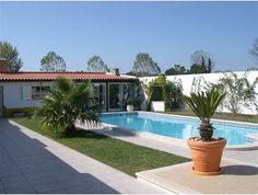 casa-com-piscina-e-jardim-bonita.jpg (384×290)