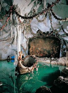 King Ludwig's Blue Venus grotto at Linderhof Castle, Bavaria, Germany. Art Et Architecture, Beautiful Architecture, Classical Architecture, Linderhof Palace, Living Room Decor Traditional, Traditional Decor, Abandoned Places, Abandoned Library, Belle Photo