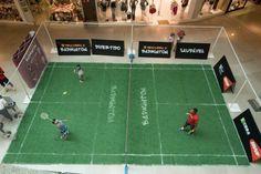 Quadra de badminton é aberta ao público