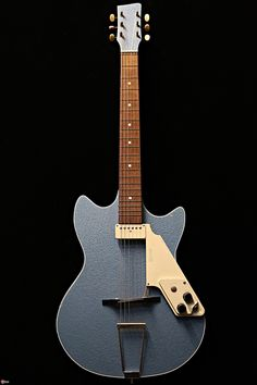 1953 Egmond Manathan – Egmond guitars were made in the 50's and 60's in the Netherlands.